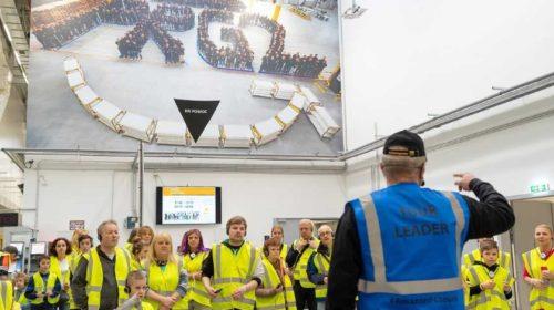 Amazon přivítal v distribučním centru už přes 4 000 návštěvníků