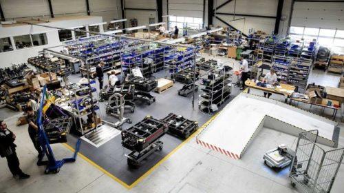 Faurecia nasadí autonomní mobilní roboty do svých výrobních zařízení