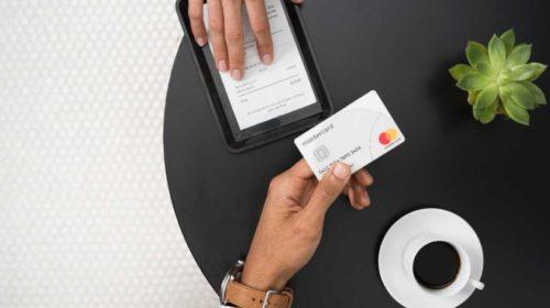 Průzkum: Platby kartou