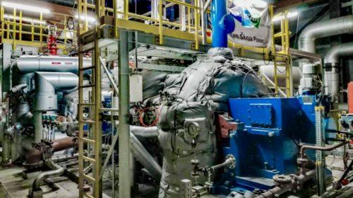 Turbína v dánském Kalundborgu produkuje elektřinu, topnou vodu i procesní páru