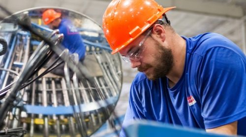 Nedostatek českých absolventů řeší inženýři z východu