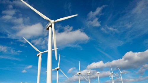 Průzkum: Nejčastější bariéry firem ve snižování emisí a hospodaření s energií