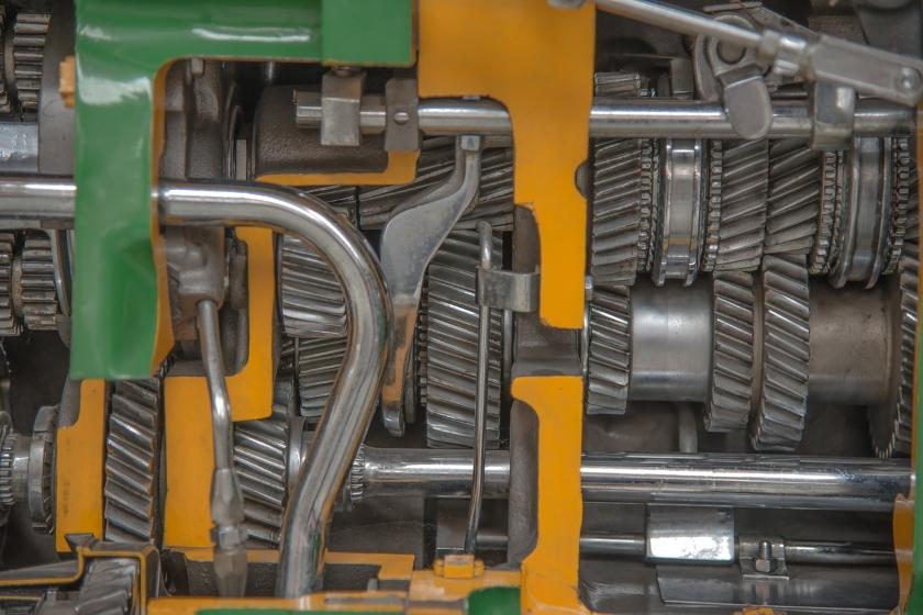 stroj ocel